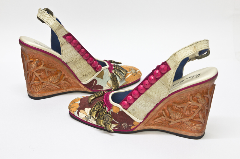 Buying Ethnic Indian Designer Shoes Online | designemporia